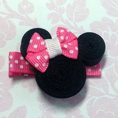 Ravelry: Minnie's Simple Headband pattern by Simply Stace Ribbon Hair Bows, Diy Hair Bows, Bow Hair Clips, Hair Barrettes, Hairbows, Headbands, Ribbon Art, Ribbon Crafts, Disney Hair