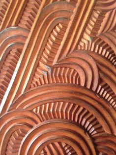 60 ideas for wood carving texture patterns Simple Wood Carving, Wood Carving Faces, Wood Carving Designs, Wood Carving Patterns, Wood Carving Art, Maori Patterns, Wood Floor Texture, Rustic Wood Floors, Dark Wood Furniture
