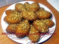 Bee Cookies, Cake Mix Cookies, Almond Cookies, Greek Sweets, Greek Desserts, Greek Recipes, Sweets Recipes, Cooking Recipes, Greek Pastries
