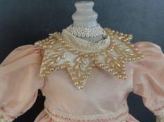 Robe en soie pour Bleuette - Col en perle