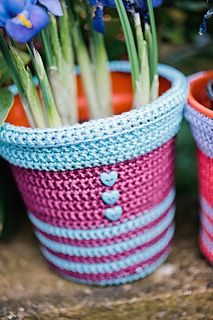 Plant Pots by Lynne Rowe,Tutorial ♡ Teresa Restegui http://www.pinterest.com/teretegui/ ♡