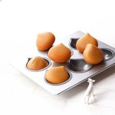 キャラメルと焦がしバターの栗ケーキ   山羊座(*´`*)のおうちでおやつ Cafe Food, Dessert Recipes, Desserts, Griddle Pan, Peach, Sweets, Fruit, Cooking, Cake