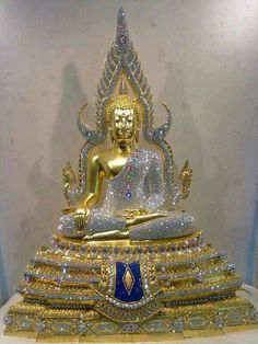 Vande. Vande. Buddhaya. Buddhaya. Namo. Namo. Namo Bhagavato Ariya-ñāna-sāgara-Gotama-byuharājāya Tathāgataya Arahato Sammāsambuddhaya Sasāvakasanghaya. Precession Of The Equinoxes, Golden Buddha Statue, Buddha Tattoos, Age Of Aquarius, Buddhist Art, Old Photos, Sculptures, Inspiration, Image