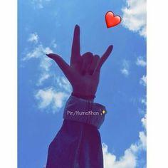 Pinterest Photography, Hand Photography, Model Poses Photography, Best Profile Pictures, Profile Pictures Instagram, Cute Girl Poses, Girl Photo Poses, Perfect Selfie, Best Friend Photos