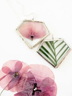 DIY with Pressed Flowers -