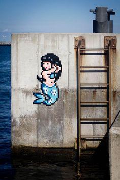 Street Art – Invader installe ses créations dans la capitale mondiale de la mosaïque
