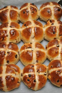 Scandi Home: Hot Cross Buns - The Australian Easter Treat