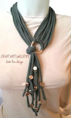 Awesome!! Necklace, t-shirt yarn www.facebook.com/......
