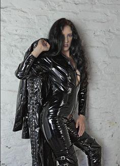 Latex Babe, Sexy Latex, Fetish Fashion, Latex Fashion, Pvc Leggings, Mode Latex, Vinyl Dress, Vinyl Clothing, Latex Girls