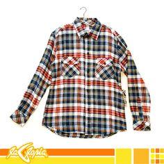 ¡Luce relajado y lleno de color con la Versatilidad de una #camisa de #cuadros! #moda #casual #caballeros #juvenil 1er.Piso