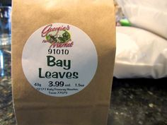 Like boric acid, bay leaves are the kinder, gentler (at least to humans) and… Diy Cleaning Products, Cleaning Hacks, Roach Killer, Rid Of Ants, Diy Pest Control, Boric Acid, Bay Leaves, Hippie Life, Insect Repellent