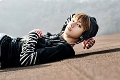 V (kim taehyung) wallpaper - asiachan kpop image boa Bts Taehyung, Bts Bangtan Boy, Bts Jimin, K Pop, Park Ji Min, Billboard Music Awards, Abs Bts, Fanfiction Bts, Wattpad