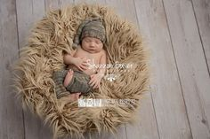 LARgE Long Flokati Like Faux Fur Baby Photography Props, Artificial Fur Fabric Blanket - Newborn Photo Props, Family Props, Pony Two Toned