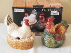 """On The Farm"" Rooster Hen Chickens Sugar Creamer Set David Carter Brown 