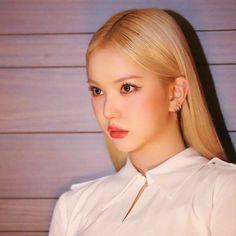 South Korean Girls, Korean Girl Groups, Walpurgis Night, Jung Eun Bi, G Friend, Extended Play, K Idols, Pop Group, Korean Singer