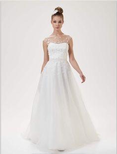 Brautkleid aus Tüll mit Schleppe