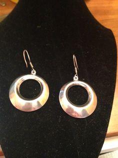 Boucles d'oreilles en argent sterling vendu par Angiepisfinds