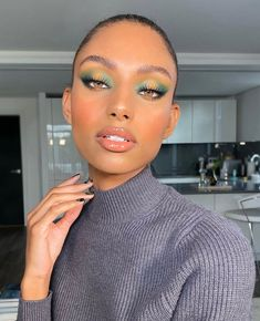Einfache Make up Ideen; Festival Make up; Prom Makeup She . Black Girl Makeup, Makeup For Green Eyes, Girls Makeup, Glam Makeup, Beauty Makeup, Eye Makeup, Exotic Makeup, Fairy Makeup, Black Makeup Models