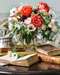 """""""The humblest of tasks get beautified if loving hands do them."""" - Louisa May Alcott Beautiful Flower Arrangements, Floral Arrangements, Beautiful Flowers, Southern Ladies, Southern Style, Star Of Bethlehem, Louisa May Alcott, Al Fresco Dining, Spring Blooms"""