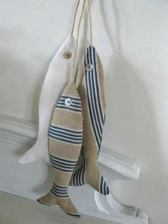 Réalisation sur stock disponible ou sur commande à partir de tissu ancien qu il soit, toile à matelas ou damassé, qu il soit chanvre ou lin...