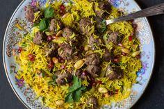 Kefta - moroccan meatballs and fragrant pilaf Moroccan Meatballs, Catering, Grains, Recipies, Rice, Food, Kitchens, Recipes, Gastronomia