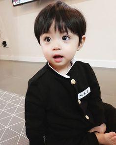 I Will Protect You (Kookmin) Cute Baby Boy, Cute Little Baby, Little Babies, Cute Boys, Kids Boys, Little Boys, Baby Kids, Cute Asian Babies, Korean Babies