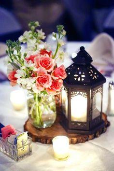 Metal lanterns make such charming centerpieces! | http://www.beautiful-bridal.blogspot.com/