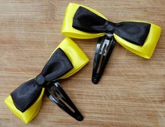 emma yellow bow hair clips as party favours