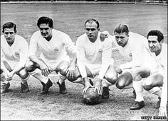 Real Madrid's forward line of legends pictured in July 1958 - left to right, Raymond Kopa, Hector Rial, Alfredo di Stefano, Ferenc Puskas and Francisco Gento Bobby Charlton, Parc Des Princes Paris, Antonio Valencia, Fifa Teams, Real Madrid Team, Toni Kroos, World Football, Football Icon, Football Players