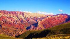 Las serranías del Hornocal son un sistema de sierras ubicadas  a 25 km de Humahuaca en la provincia argentina de Jujuy. Poseen una altura de 4761 metros sobre el nivel del mar y forman parte de la formación calcárea conocida como Yacoraite la cual atraviesa el Perú llegando hasta la provincia argentina de Salta, atravesando en su itinerario a Bolivia y a la Quebrada de Humahuaca. Este mirador se encuentra a una distancia de 25 kilómetros de la Quebrada de Humahuaca y es muy poco conocido.