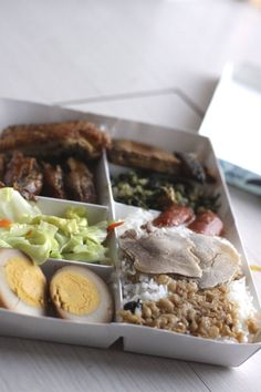 """Taiwanese Bento - Bento is also popular in Taiwan. Bendong (Taiwanese: piān-tong) or Biandang (便當, """"convenience pack"""") made its way to Taiwan in the first half of the 20th century from Japan, where it remains very popular to the present day. The term is a loan word from the Japanese word in Taiwanese Hokkien and Mandarin Chinese."""