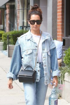 Ashley Tisdale #AshleyTisdale Street Style  Beverly Hills 19/09/2017 http://ift.tt/2ygIUrl