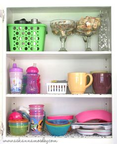 I'm sharing lots of kitchen organization tips! Use baskets to organize a small pantry, how to organize a junk drawer, organize kids dishes and more! Clutter Organization, Kitchen Organization, Organizing Tips, Organized Kitchen, Organization Ideas, Storage Ideas, Small Chalkboard, Kids Dishes, Small Pantry