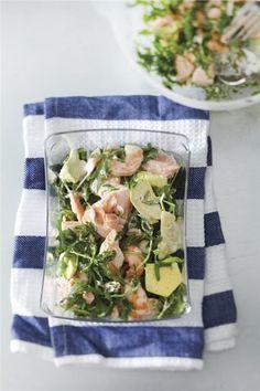 Σαλάτα με γαρίδες και σολομό