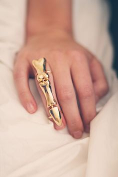 Skeleton finger ring