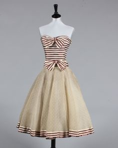 Chanel 1956 Couture. Owned by Diana Vreeland. Stripes & Polka-dots. j'adore!