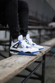 Air Jordan 4 'Motorsport' - EU Kicks: Sneaker Magazine