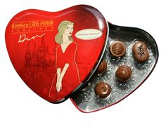 Day collection of pralines Lady Prague contains selection of handmade pralines in milk chocolate with real vanilla (no vanilin). Chocolate is produced from Barry Callebaut cacao mass and that is the reason why we can compete with the best chocolatiers. #lovelockstore #prague #lovelockstory #chocolate #chocolateprague