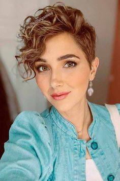 The Hottest Variations Of A Long Pixie Cut To Look Flawless Pixie Cut Long Bangs, Pixie Cut Curly Hair, Pixie Cut Round Face, Pixie Haircut For Round Faces, Short Permed Hair, Curly Pixie Hairstyles, Short Curly Pixie, Wavey Hair, Longer Pixie Haircut