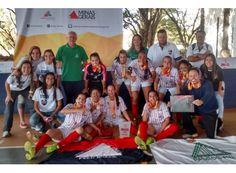 Futsal feminino de Passos conquista título dos Jemg http://www.passosmgonline.com/index.php/2014-01-22-23-07-47/esporte/5846-futsal-feminino-de-passos-conquista-titulos-dos-jemg