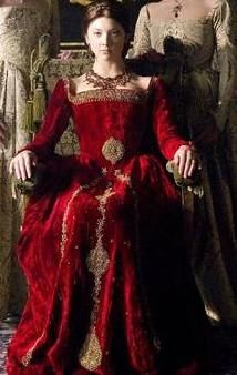 Natalie Dormer as Anne Boleyn in ;The Tudors; after being made Marquis of Pembroke. Anne Boleyn was created Marquis of Pembroke on September Tudor Costumes, Period Costumes, Movie Costumes, Character Costumes, Tudor Era, Tudor Style, Tudor Fashion, Covet Fashion, Historical Costume