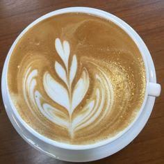 #café #coffee  #coffeeart #latte #latteart #拉花 #咖啡 #illy #breakfast #morningcoffee by kaho.89
