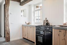 LEN architectuur | Lenny van de Sande Kitchen Cabinets, Home Decor, Decoration Home, Room Decor, Cabinets, Home Interior Design, Dressers, Home Decoration, Kitchen Cupboards