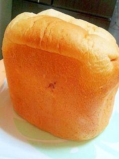楽天が運営する楽天レシピ。ユーザーさんが投稿した「✿HBで簡単♪ふわっふわな❤ミルクバター食パン」のレシピページです。次の日もふわふわな食パンです♪HBにおまかせで簡単に作れます焼き立てを手でちぎって食べて頂くのがオススメです❤写真は取り出す時に失敗して上が凹みました^^。HBで作る 食パン。★強力粉,★牛乳(冷えたもの),★砂糖,★バター,★塩,ドライイースト