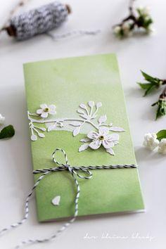der kleine klecks Stanzform Kirschblütenzweig - Charlie & Paulchen Fedrigoni Aquarell grün Ösen Artoz und Bakerstwine von Garn & Mehr
