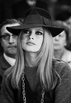 Which Sixties Fashion Icon Do You Most Look Like? - Icon People - Ideas of Icon People - Brigitte Bardot Collezione leggerissimi: www. Bridget Bardot, Brigitte Bardot, Divas, Sixties Fashion, Gothic Fashion, Style Fashion, Fashion Beauty, Fashion Tips, Jane Birkin
