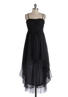 You and Nuit Dress. The moonlight feels as romantic as the black tone and lace top of this date night dress. #black #prom #bridesmaid #modcloth