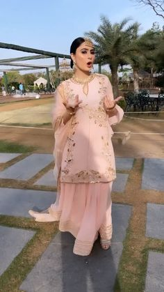 Asian Bridal Dresses, Indian Bridal Outfits, Indian Fashion Dresses, Indian Designer Outfits, Unique Dresses, Stylish Dresses, Indian Dress Up, Velvet Dress Designs, African Dresses For Kids