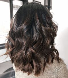 Brown Hair Colors Discover 60 Chocolate Brown Hair Color Ideas for Brunettes Shiny Chocolate Balayage Hair Brown Blonde Hair, Brown Hair With Highlights, Light Brown Hair, Brown Hair Colors, Blonde Highlights, Caramel Highlights, Color Highlights, Hair Colours, Black Hair
