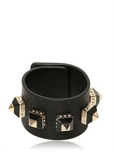 GIVENCHY - LEATHER CUFF WITH PYRAMID